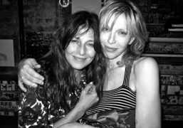 The American actress Catherine Keener and Courtney Love at the party for…