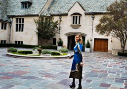 Chelsea Miller wearing a Dries Van Noten at the Greystone Mansion in Beverly…
