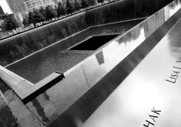 The reflecting pool at the National September 11th Memorial, New York.Photo Olivier…