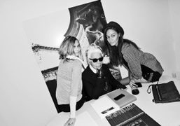 Cara Delevingne, Karl Lagerfeld, and Joan Smallsbackstage at theFendi S/S 2015 show,…