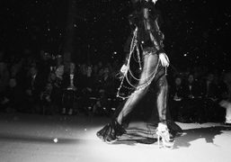 JOHN GALLIANO F/W 09/10 SHOW, paris