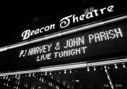 One night concert at the Beacon Theatre, New York. Photo Olivier Zahm
