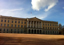 Spring clouds over the Norwegian Royal Palace, Oslo, Norway. Photo Aurora Aspen