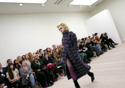 LFW S/S 2014 collection live stream