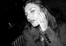 Josephine de la Baume with the engagement ring that Mark Ronson has…