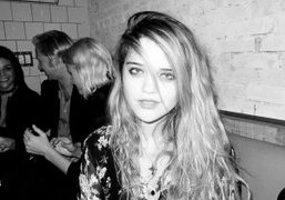 The singer Sky Ferreira is becoming more and more beautiful, at Derek…
