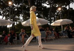CHANEL CRUISE 2011/2012 SHOW at the eden roc, antibes