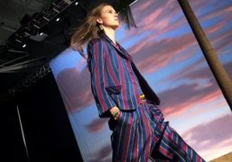 One Look from the Tommy Hilfiger S/S 2016 Show, New York