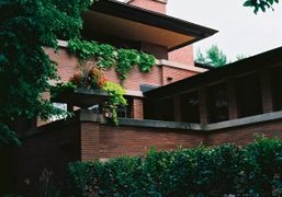 A visit to Frederick C. Robie House (1908-10) by America's master architect...