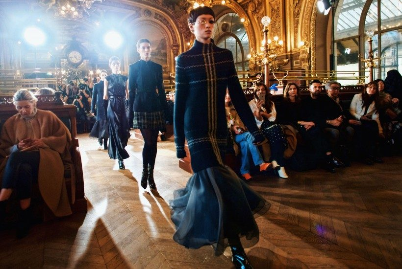 """Olivier Theyskens F/W 2017 show inspired by Luc Besson's 1990 thriller """"La Femme Nikita"""" at Le Train Bleu, Paris"""