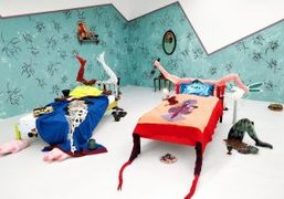 """Paloma Proudfoot and Lindsey Mendick's """"Proudick"""" exhibition at Hannah Barry Gallery, London"""