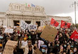 PURPLE NEWS: BLACK LIVES MATTER PROTESTS, IN SOLIDARITY WITH PROTESTORS In Milan,...